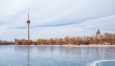 北京玉渊潭冬日的那一抹色彩