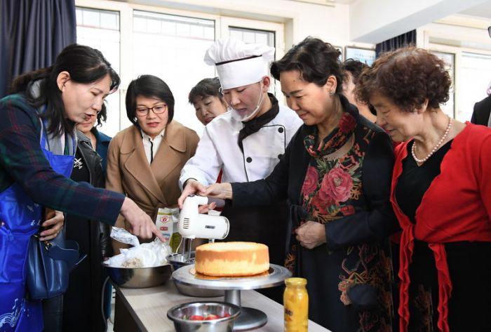 """幸福烘焙,喜迎""""三八""""国际劳动妇女节的到来"""