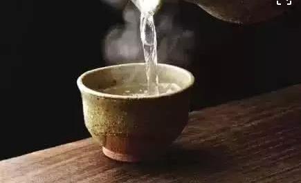长期喝水太烫会增加患食道癌风险