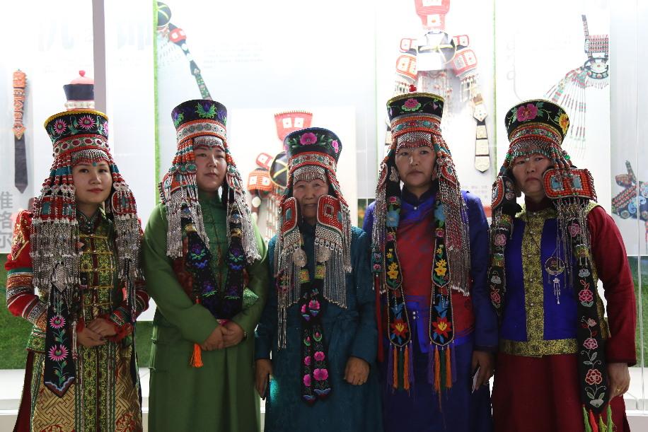 巧手绣娘 绣传文化