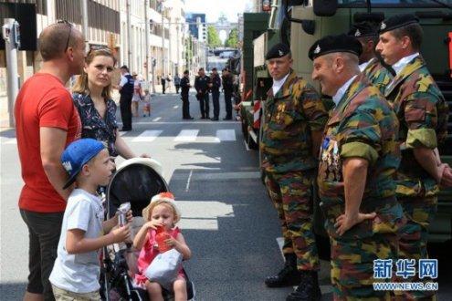 比利时举行国庆阅兵