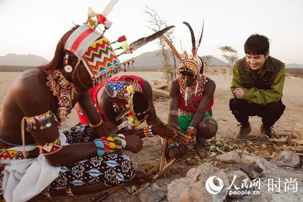 刘昊然为保护野生动物发声 新照曝光与大象近距离接触【6】