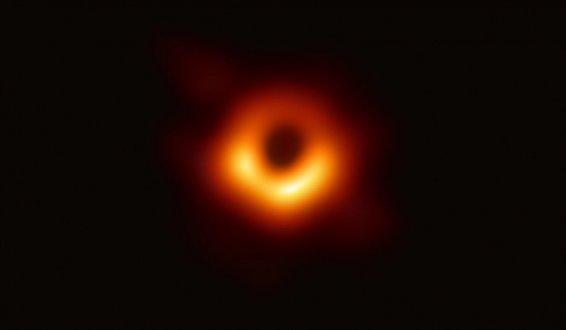 世界首张黑洞照片发布