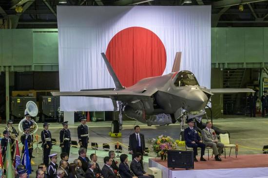 日本正式决定引进F35B战机配备出云级准航母