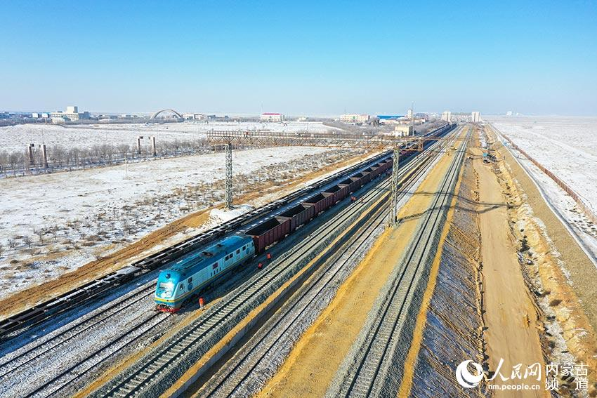 中蒙最大陆路口岸铁路升级改造 中欧班列通关速度再提