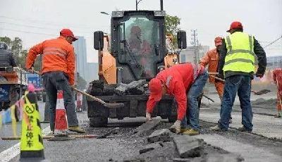 呼和浩特:一次破路同步施工